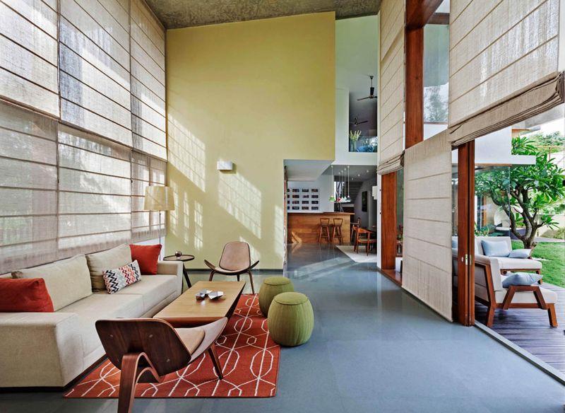 salon & vue îlot de cuisine - L-Plan-House Klosla Associates - Bangalore, Inde