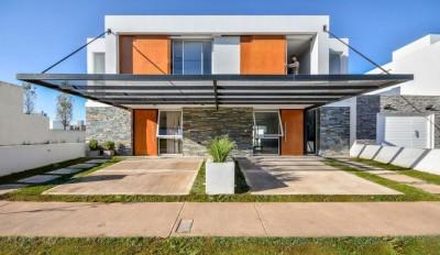 une-Casas-Adosadas-par-Estudio-A+3