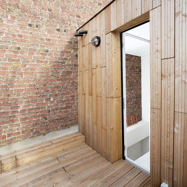 Extension d une maison urbaine de cinq niveaux sur paris for Extension bois 2 niveaux