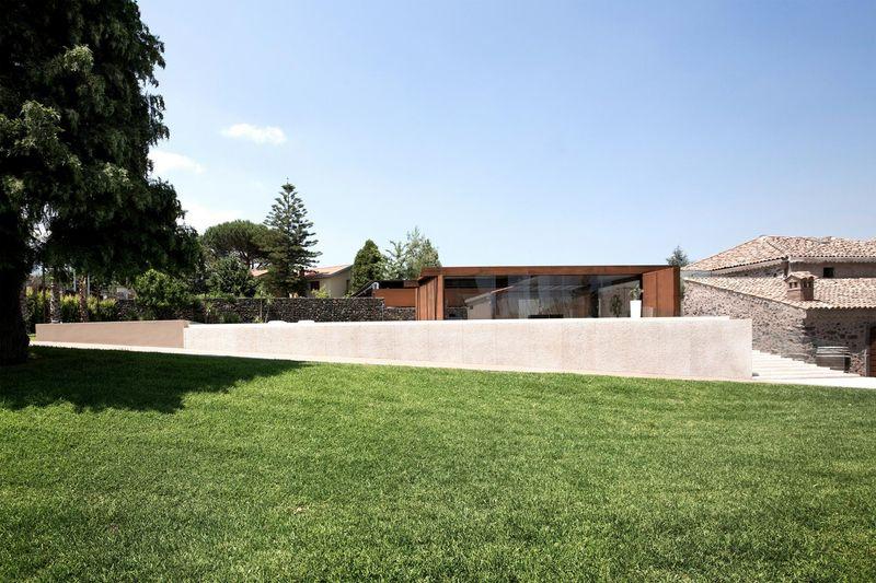 façade jardin - Sicillian-Farm-Renovation par ACA Amore Campione Architettura - Sicile, Italie