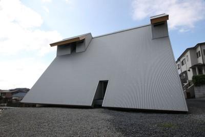 façade toit solaire - Passive-House par Kikuma Watanabe - Kasugoaka, Japon