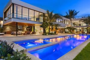 Luis bosch construire tendance - La contemporaine villa k dans les collines de nagano au japon ...
