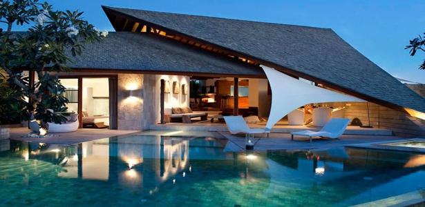 R sidence de vacances avec son toit en forme de voile en indon sie construire tendance - Residence de vacances contemporaine miami ...