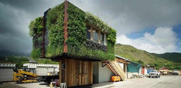 une maison arbre pour prendre de la hauteur sur l 39 le d. Black Bedroom Furniture Sets. Home Design Ideas
