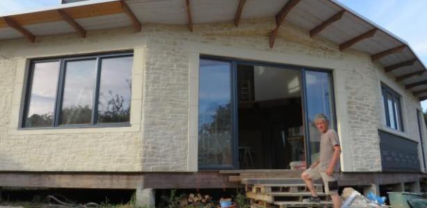 une maison bioclimatique en auto construction pr s de nantes construire tendance. Black Bedroom Furniture Sets. Home Design Ideas