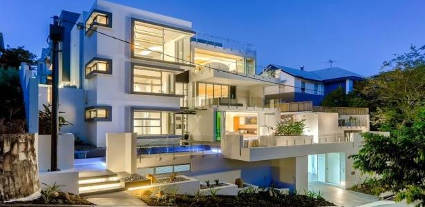 Magnifique villa contemporaine avec un d cor de luxe en for Model de villa de luxe