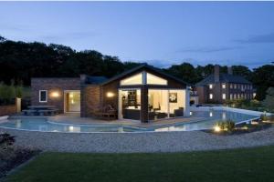 Extension construire tendance for Extension contemporaine maison traditionnelle