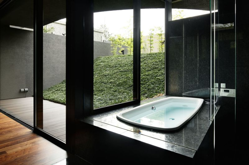 salle de bains - maison-urbaine par Artechnic - Japon