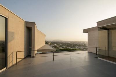 terrasse toit & vue panoramique ville - House-Hillside par Benavides & Watmough arquitectos - Santiago, Pérou