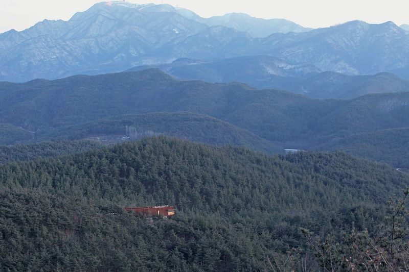 vue panoramique paysage - Hyunam-house par IROJE Architects & Planners - Gunwi-gun, Corée du Sud
