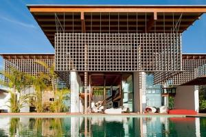 Maison contemporaine construire tendance part 20 - La contemporaine villa k dans les collines de nagano au japon ...
