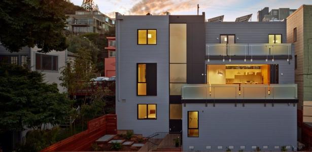 Une maison contemporaine urbaine exp rimentale san for Maison moderne urbaine