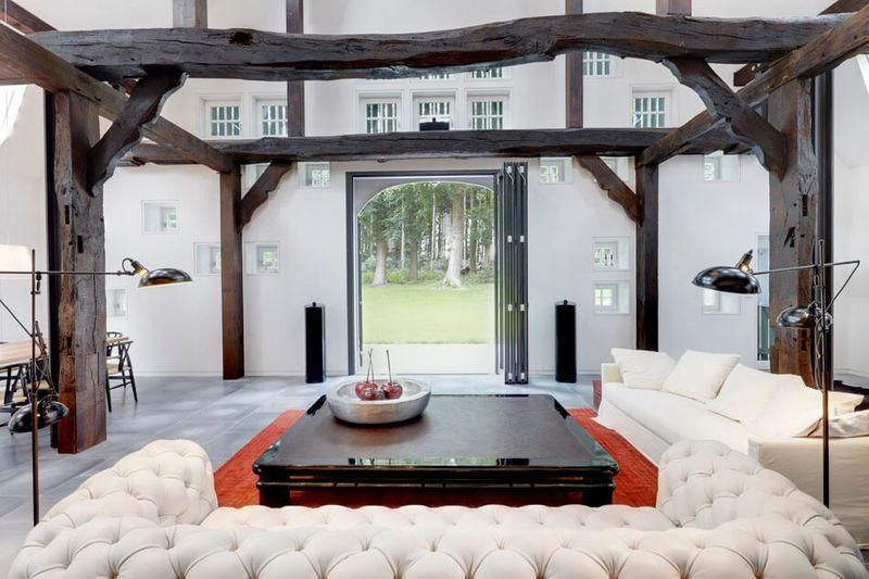 salon & vue entrée - German-Country-House par Reichel Architectes - Allemagne