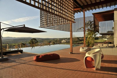 terrasse salon design - Quinta-House par CANDIDA TABET ARQUITETURA - São Paulo, Brésil