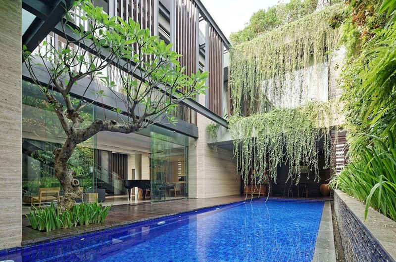 façade terrasse & piscine - Ben House-GP par Wahana Architects - Jakarta, Indonésie