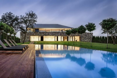 piscine - house-360-degree par I-O architects - Bulgarie