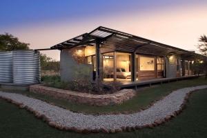 Perfect Somptueux Mélange De Pierres Et Bois Pour Une Maison Dans La Brousse  Sud Africaine