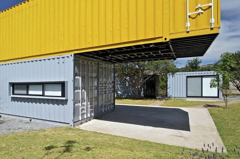 Maison container en parfaite harmonie avec la nature au mexique construire - Construire en container ...