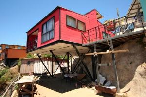 Chili construire tendance - Maisonnette en bois sur pilotis pas cher ...
