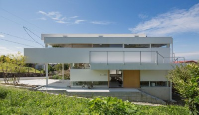 Une-House-Toyonaka-par-Tato-Architects