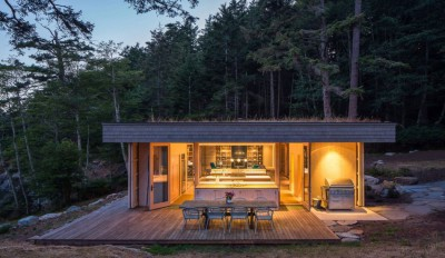 Une-Woodsy-Retreat-par-Heliotrope-Architects