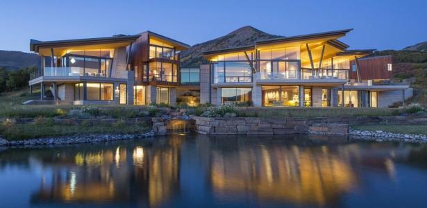 Architecture atypique et panorama extraordinaire pour - La demeure moderne gb house par mmeb architects ...