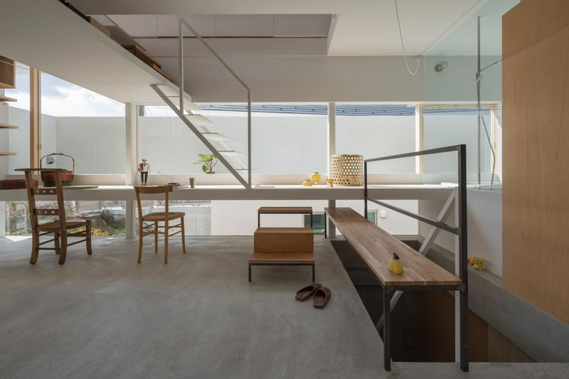 salle séjour - House-Toyonaka par Tato Architects - Toyonaka, Japon