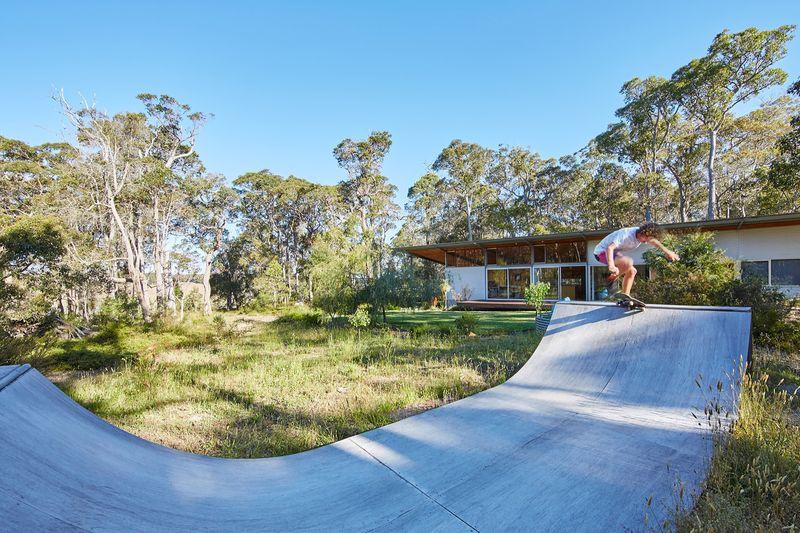 aire de jeu extérieur - Bush-House par Archterra Architects - Margaret River, Australie