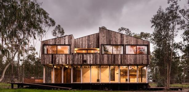maison chilienne fa on cabanon et son bardage en bois. Black Bedroom Furniture Sets. Home Design Ideas