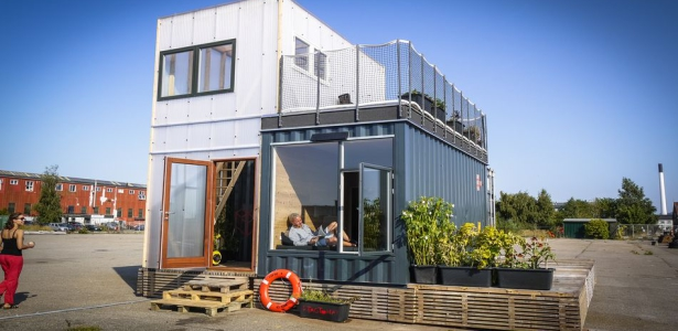 Maison container dans un village tudiant de copenhague construire tendance for Photo maison contemporaine container