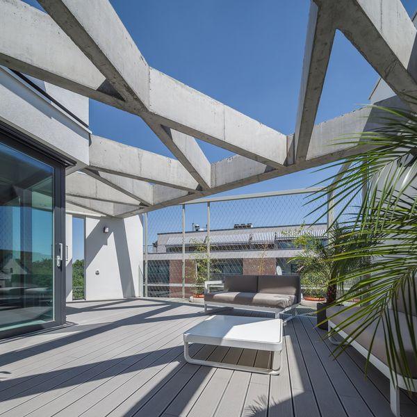 salon terrasse design - Urban-Eco-House par Tecon Architects - Bucuresti Roumanie