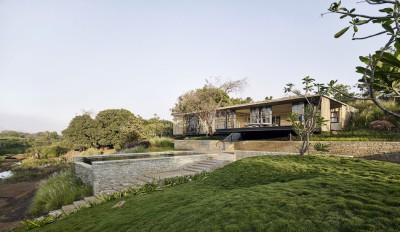 Une- Riparian-House - Architecture Brio - Karjat, Inde