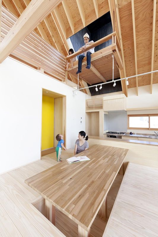 salle séjour & cuisine - Gabled-Roof par Tailored Design Lab - Kawagoe, Japon