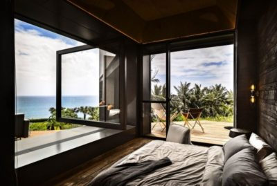 Chambre & grande ouverture vitrée - Spectacular-Views-Home par Create Think Design - Taïwan