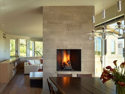 Cheminée & salle séjour - Vineyard-Farm-House par Charles Rose Architects - Massachusetts, USA
