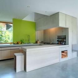 Cuisine - Rauchkuchl par VonMeierMohr Architekten - Schliersee, Allemagne