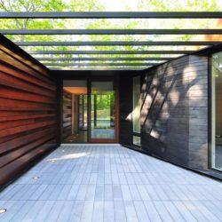 Entrée vitrée - Pleated-House par Johnsen-Schmaling - Wisconsin, USA