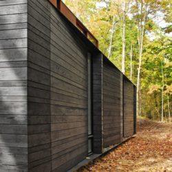 Façade bois sombre - Pleated-House par Johnsen-Schmaling - Wisconsin, USA