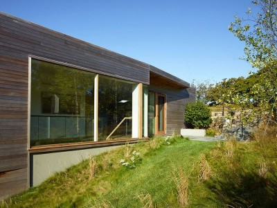 Façade jardin & ouvertuvte vitrée - Vineyard-Farm-House par Charles Rose Architects - Massachusetts, USA