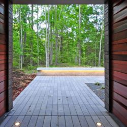 Façade terrasse & vue forêt - Pleated-House par Johnsen-Schmaling - Wisconsin, USA