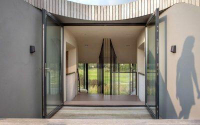 Grandes portes vitrées entrée - Eco-Friendly-Home par UN Studio - Hollande