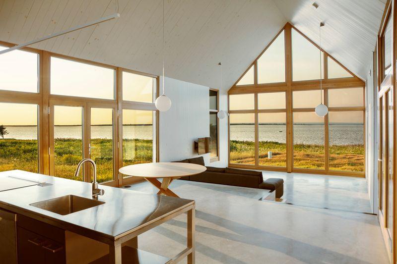 Maisons bois jumel es pour retraite canadienne au bord de for Construire une maison de retraite