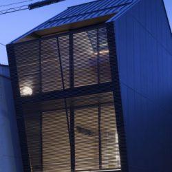 Ouvertures vitrées étage - Nest par Apollo-Architects - Nagoya, Japon