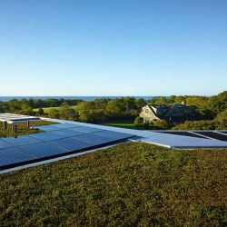 Panneaux solaires - Vineyard-Farm-House par Charles Rose Architects - Massachusetts, USA