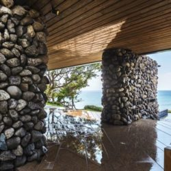 Pilonne en pierres - Spectacular-Views-Home par Create Think Design - Taïwan