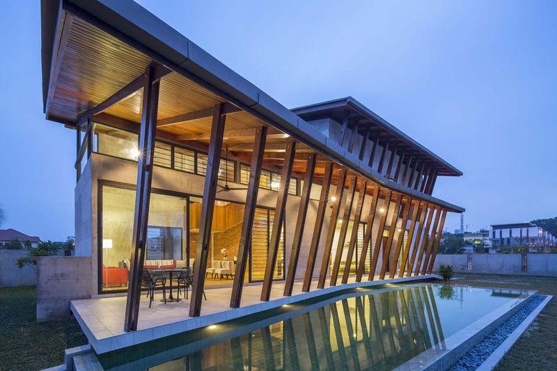 Terrasse salon design & piscine - Sepang-House par Eleena Jamil Architect - Sepang, Malaisie