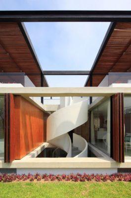 Vue escalier spiral - spiral-stairs-home par Jorge Marsino Prado - Pérou