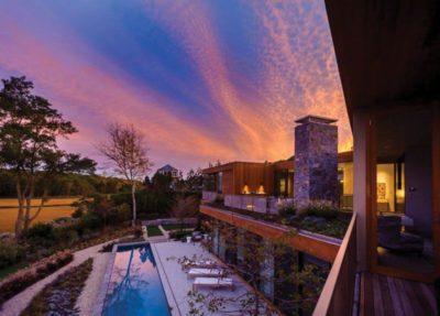 Vue panoramique piscine & paysage - wood-stone-house par Blaze Makoid - New York, USA
