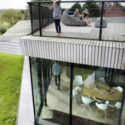 Vue salle séjour &toiture terrasse - Eco-Friendly-Home par UN Studio - Hollande