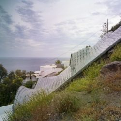 Bâtiment sur flan de colline - Casa-del-Ancantilado par Gilbartolome Architects - Salobrena, Espagne